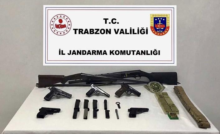 Trabzon'da silah kaçakçılarına darbe! Evinde yakalandı!