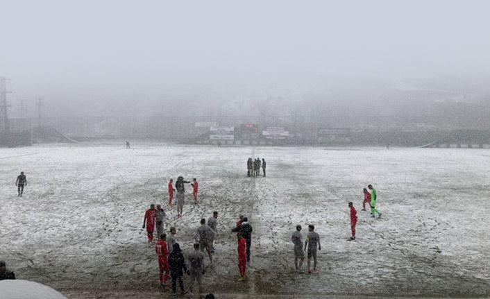 Bir Trabzon takımın daha maçı iptal! Sadece 15 dakika oynayabildiler!