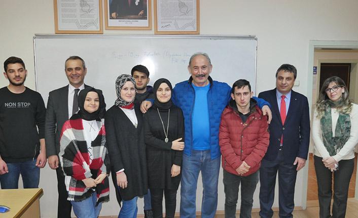 Büyükşehir Belediyesinden öğrencilere sürpriz ziyaret