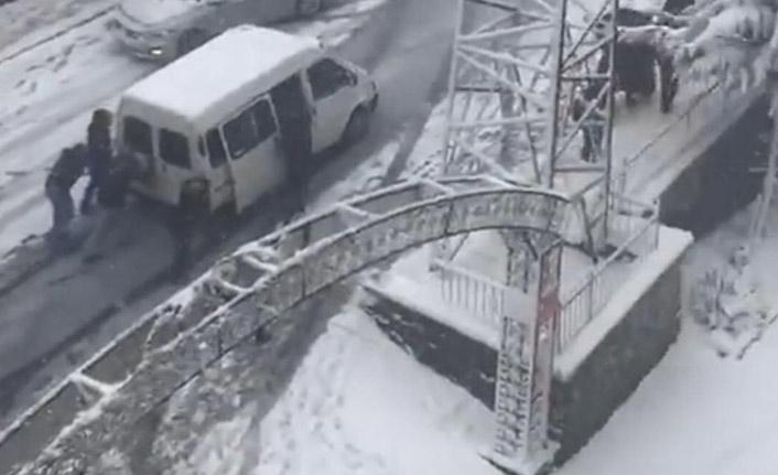 Trabzon'da vatandaşlara kritik uyarı: Kış lastiksiz ve zincirsiz trafiğe çıkmayın