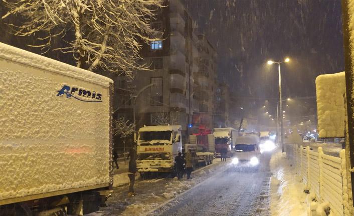 Trabzon Valiliği'nden kritik uyarı: Zorunlu olmadıkça trafiğe çıkmayın