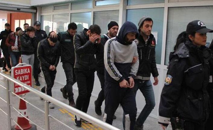 Uyuşturucu tacirlerine darbe! 20 kişi gözaltında