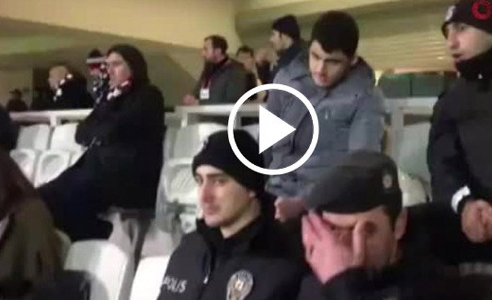 Polis, görme engelli taraftara maçı anlattı