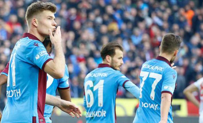 Trabzonspor'un yıldızı zirvede tek başına