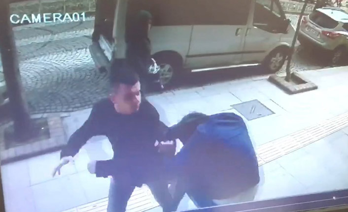 6 yıldır biriktirdiği kin ile sokak orasında saldırdı