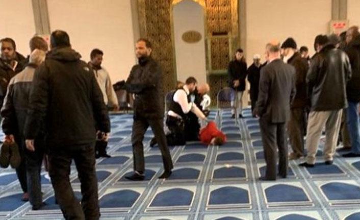 Londra'da camide müezzin bıçaklandı