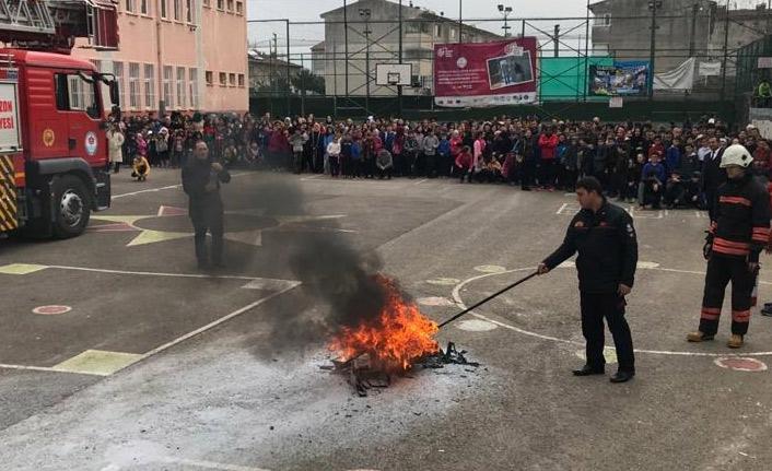 Trabzon'da öğrencilere yangın eğitimi