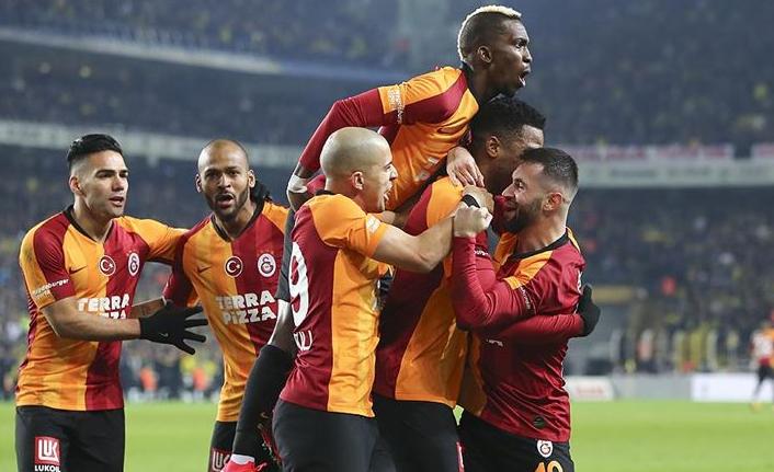 Galatasaray Kadıköy'de Fenerbaheç'yi devirdi
