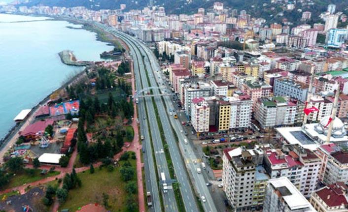 Karadeniz Sahil yolu Rize geçişinde çalışma