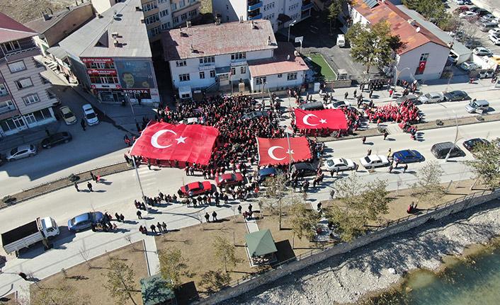 Bayburt, Mehmetçik için yürüdü