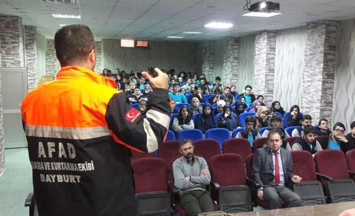 Bayburt'ta AFAD'dan öğrencilere eğitim
