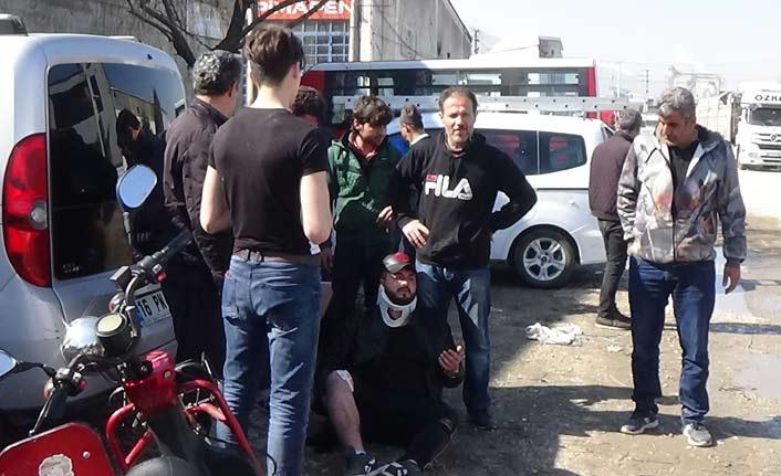 Elektrikli bisiklet ve otomobil çarpıştı