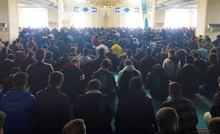 Bayburt Üniversitesi öğrencilerinden Mehmetçiklere mevlit programı