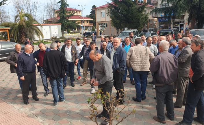 Trabzon'da muhtar isyanı! Kaymakamın kapısına dayandılar