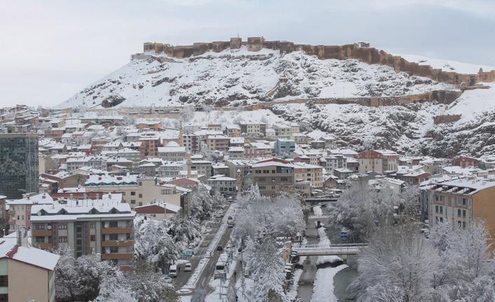 Bayburt'ta kar yağdı