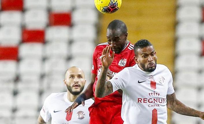 Sivasspor Antalya'ya yenildi