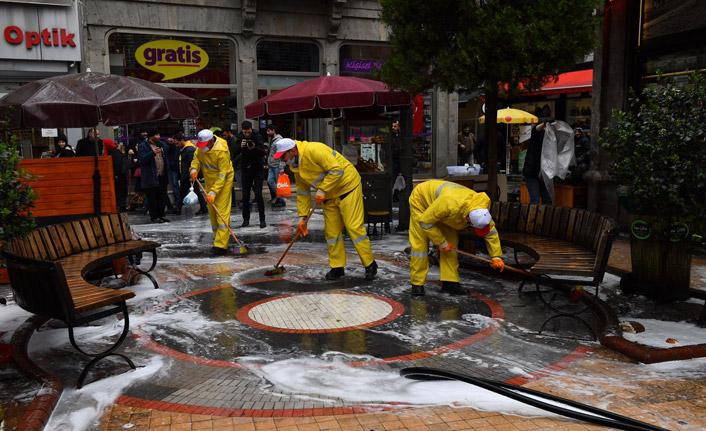 Trabzon'da cadde ve sokaklarda virüs temizliği!