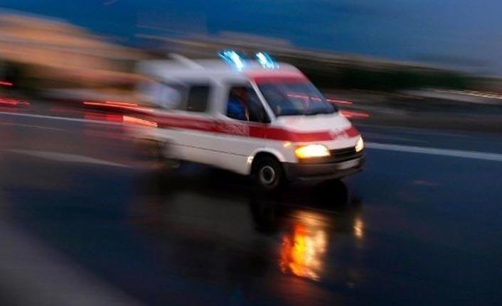 Trabzon plakalı otomobille kamyonet çarpıştı! 8 yaralı