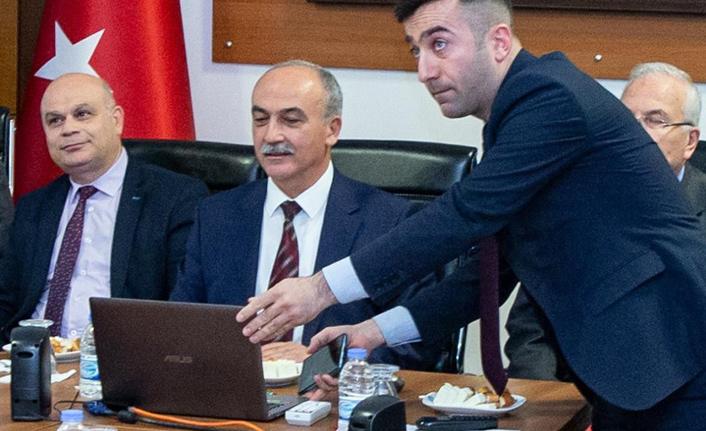 Giresun Üniversitesi ilk defa uzaktan erişimli senato toplantısı gerçekleştirdi