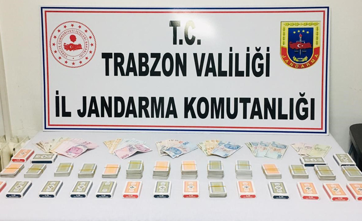 Trabzon'da kumar baskını! Hem kumardan hem sosyal mesafeden ceza yediler