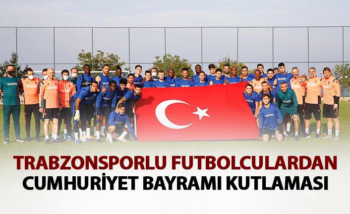 Trabzonspor'da antrenman öncesi Cumhuriyet kutlaması