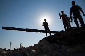 Suriye kampında çatışma
