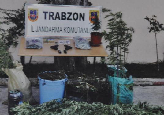 Jandarma Trabzon'da kaçakçı avında