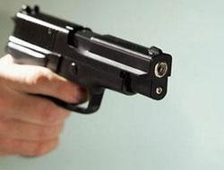 Polis köpeği tabancasıyla vurdu