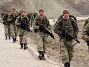 Özel hareket askerleri  iz sürüyor