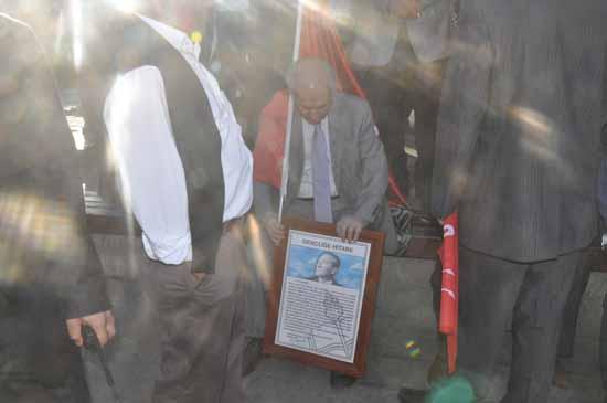 Cumhuriyet için Trabzon'da yürüdüler