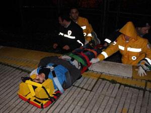 Polisten kaçarken tren çarptı