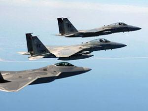 Savaş uçakları sınırı bombaladı