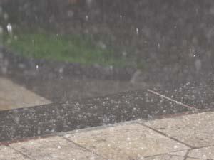 Antalya'da Fırtına, dolu ve sağnak yağış
