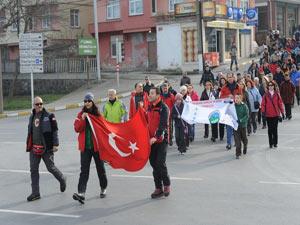 Trabzon'da dağcıları anma yürüyüşü