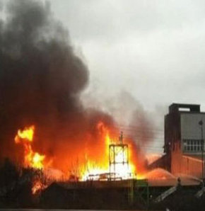 Dev fabrikada yangın