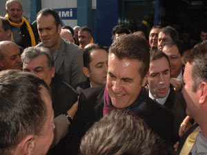 Mustafa Sarıgül Trabzon'a geldi