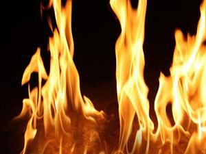 Trabzon oto pazarında yangın