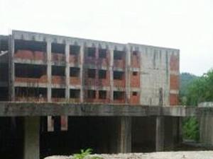 Rize'de Huzurevi inşaatı ödeneksizlikten yıkıldı...