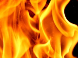 Tarihi adliyede yangın!
