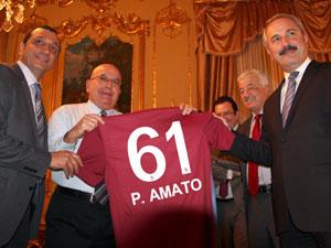 İtalyan senatör Trabzonspor forması giydi