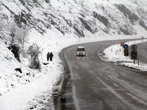 Kapanan köy yolları açılıyor