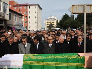 Ramis Uzun'dan babasına son görev
