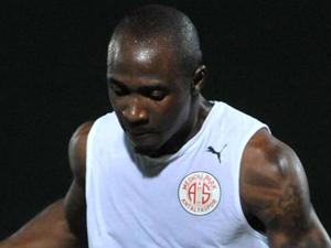 Eski TS'li Antalyaspor kadrosundan çıkarıldı