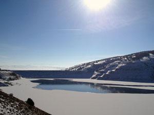 Karadeniz'de bu ne soğuk? Baraj buz tuttu...