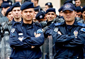 İzmir'de operasyon yaptılar görevden alındılar!