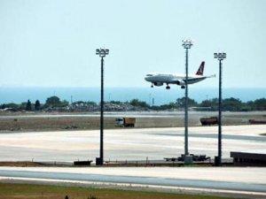 Yolcu rahatsızlanınca THY uçağı acil iniş yaptı
