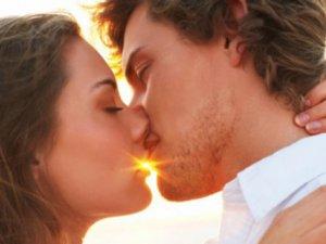 Öpüşmek neden bu kadar zevkli?