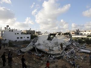 Gazze'de bombalı saldırı!