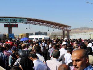 27 bin Suriyeli bayramlaşmaya gitti
