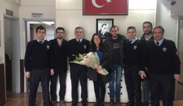 Trabzon'da CHP'li gençlerden emniyete destek...